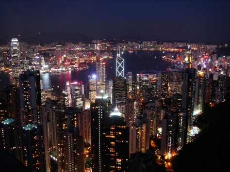 Hong_Kong_at_night_from_Victoria_Peak (1)